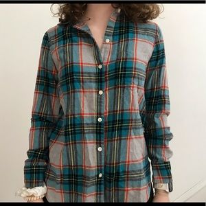 Old navy flannel long sleeve button up shirt